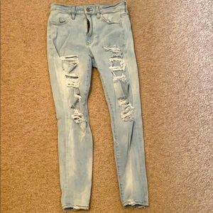 American Eagle lightwash ripped jeggings